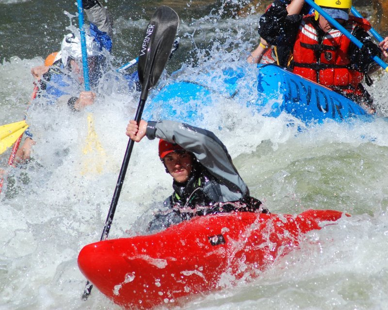 Instructional rafting course